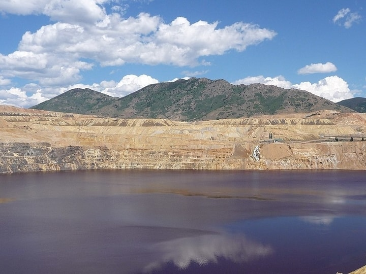 Berkeley pit never swim here