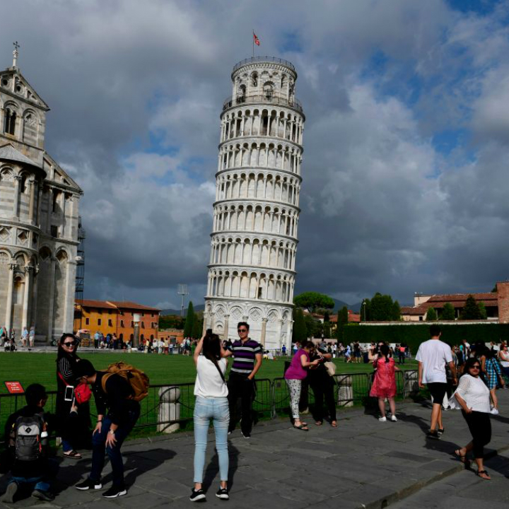 Wonders of the World: Leaning Tower of Pisa