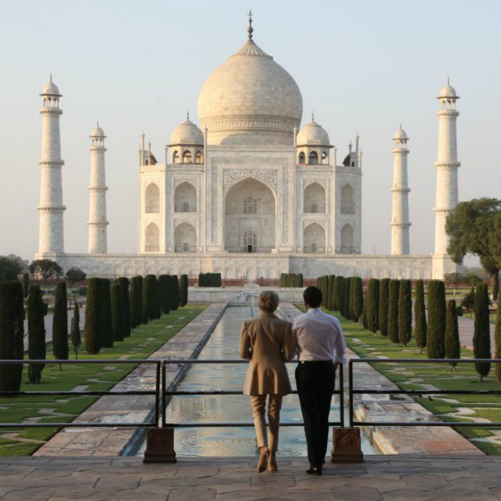 Wonders of the World: Taj Mahal